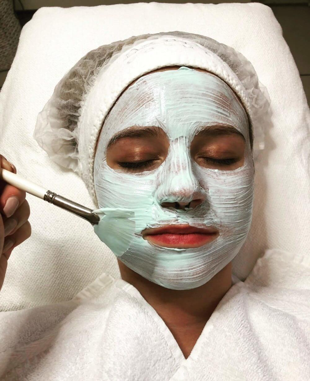 Gesichtsbehandlung im YouBeauty-Center